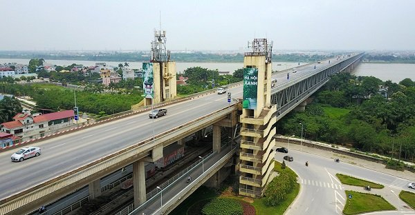 Both Levels of the Thanh Long Bridge over the Red River in Hanoi